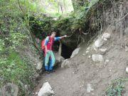 Entrée de la grotte (mine) thermale