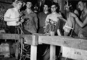 Construction des échelles dans l'atelier du Sam (photo: A. Gilgen)